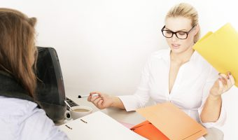 ストレスチェック制度の導入で総務部がやるべきこと【チェックリストつき】